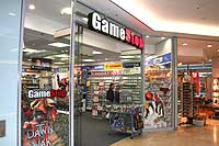 Riem Arcaden: Game Stop Shop für Computerspiele, Playstation, DVDs   (Foto: Martin Schmitz)